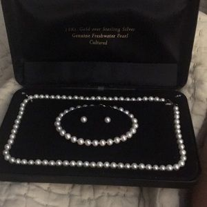 Cultured pearl necklace bracelet and earrings set